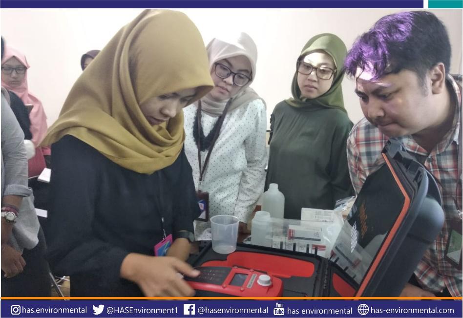 Training alat portabel monitoring kualitas air di Universitas Pertamina